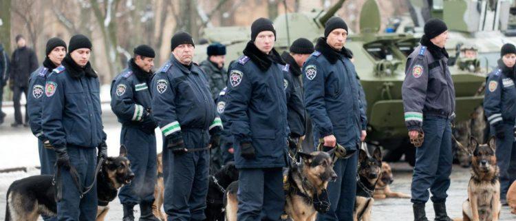 """اعتقلت الشرطة منهم """"12"""" متظاهراً.. أصحاب """"السترات الصفراء"""" يصلون الى موسكو"""