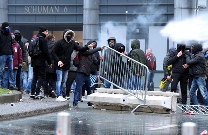 أعربوا عن رفضهم لميثاق الأمم المتحدة للهجرة.. آلاف المتظاهرين في بروكسل يصطدمون مع الشرطة