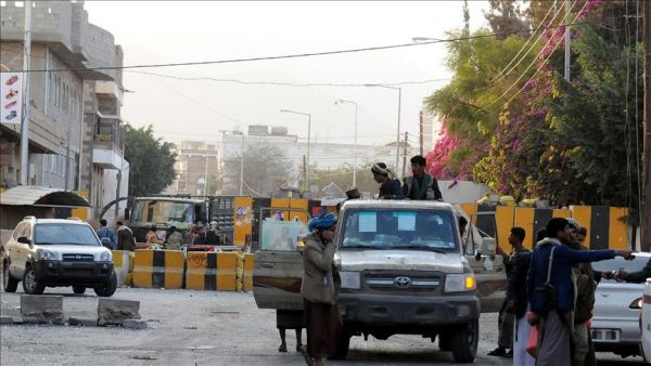 Armed clashed breaks out between two houthi groups in Sana'a traffic department