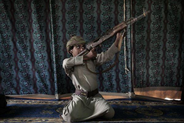 وكالة أمريكية تكشف فضائع تجنيد الحوثيين للأطفال منذ بداية الحرب