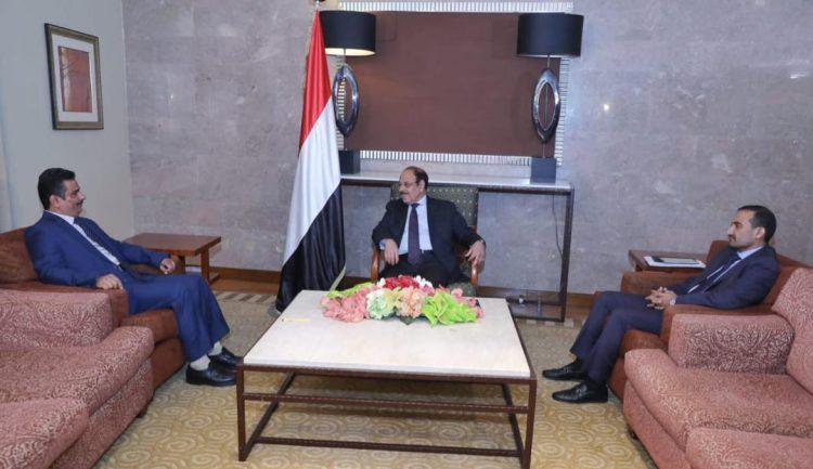 نائب رئيس الجمهورية يطلع على جهود الحكومة لتوفير الكهرباء في المحافظات المحررة.