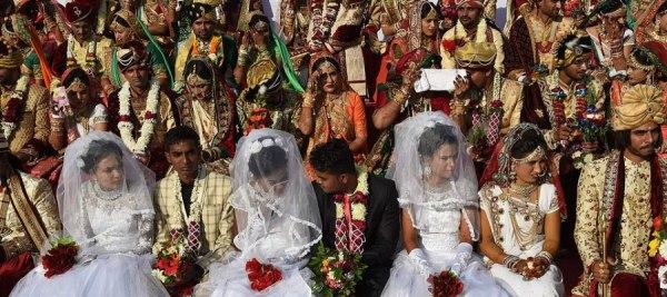 رجل ثري يزوّج 3  ألف فتاة ويعطى كل واحدة منهن 7 ألف دولار