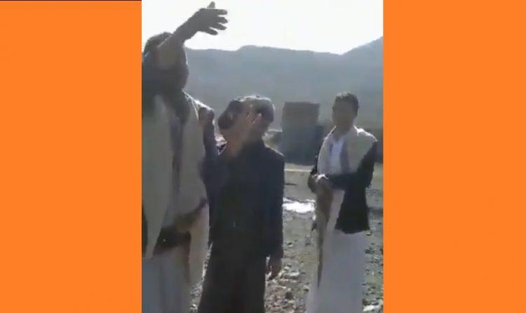 بالفيديو.. امرأة توثق بالصوت والصورة عملية نهب مليشيا الحوثي لأرضها بصنعاء