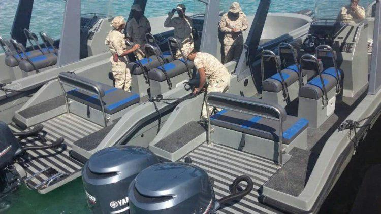 زوارق بحرية مقدمة من السعودية تصل مصلحة خفر السواحل في المهرة