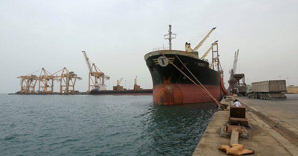 إحتجزت 88 سفينة إغاثية خلال ثلاثة أعوام.. لجنة الإغاثة: مليشيا الحوثي إستهدفت 7 سفن منها سعودية وإماراتية