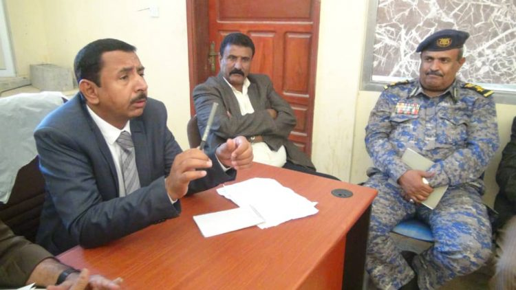 محافظ شبوة يحيل عدد من موظفي الجوازات للسجن بعد ثبوت تورطهم في قضايا فساد