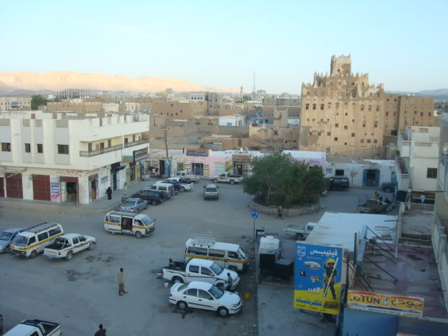 شبوة: قوات مدعومة من الامارات تداهم قسم الشرطة وتحاول اخراج موقوفين