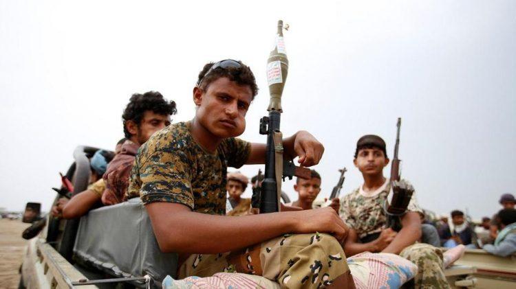 مليشيا الحوثي تستهدف بقذائف الهاون منازل المواطنين في حيران بحجة