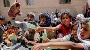 """برنامج الغذاء العالمي: لن نسلم جماعة الحوثي """"فلساً"""" واحداً ما لم تمتنع عن سرقة المساعدات المخصصة للفقراء (ترجمة خاصة)"""
