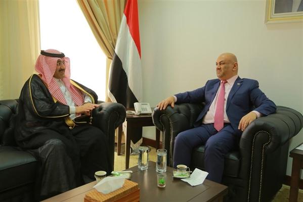 خلال لقائه وزير الخارجية اليمني.. السفير السعودي يؤكد استمرار دعم بلاده لتحقيق استقرار اليمن