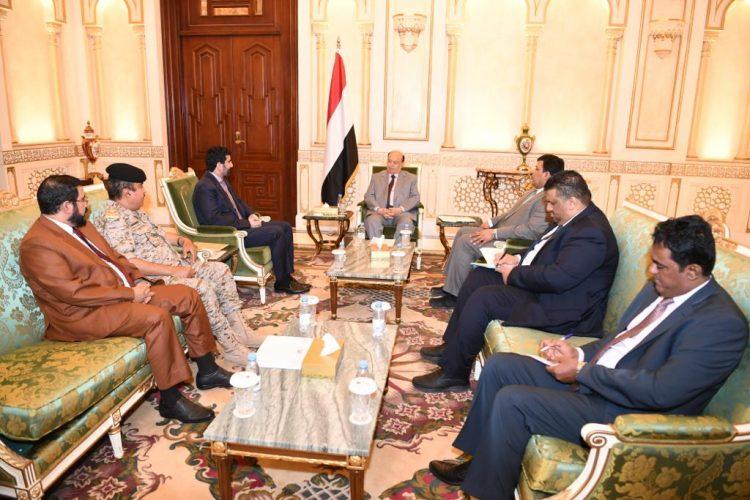 الرئيس هادي يؤكد على ضرورة تفعيل جبهات القتال في مختلف مناطق التماس
