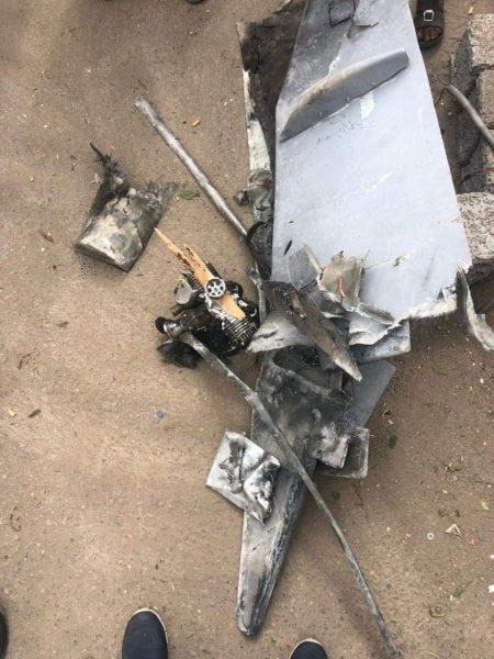 مصدر عسكري: الطائرة التي هاجمت العرض العسكري بالعند حلقت من مكان قريب