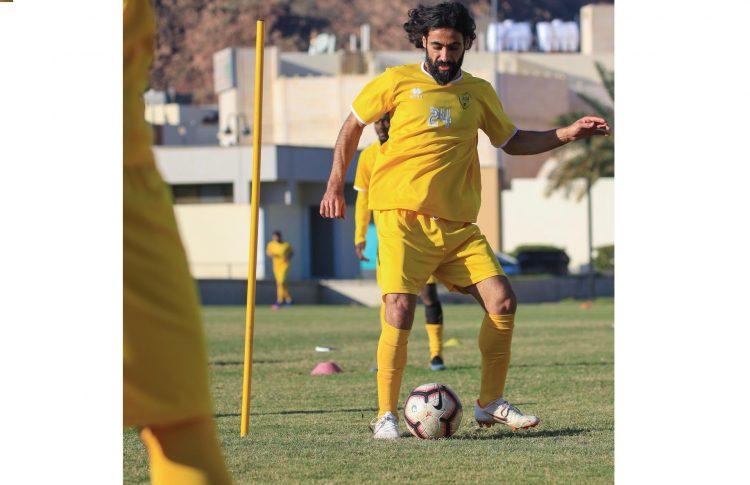 حسين عبدالغني يعود للأهلي السعودي
