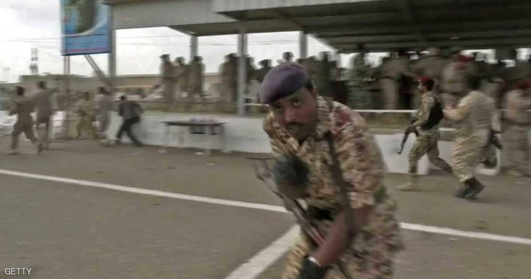 Sudden air attack targets military parade in Lahj.. Doubts raise about UAE complicity