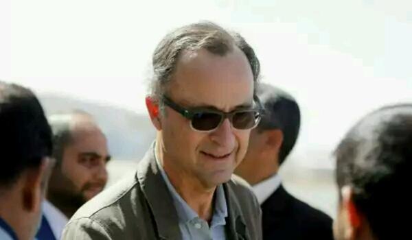 بعد منع الحوثيين خروجه وإطلاق النار عليه.. الجنرال باتريك يتمكن من لقاء وفد الشرعية في الحديدة