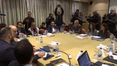تواصل الاجتماعات لليوم الثاني بين ممثلي الحكومة والانقلابيين لمتابعة تنفيذ اتفاقية تبادل الأسرى