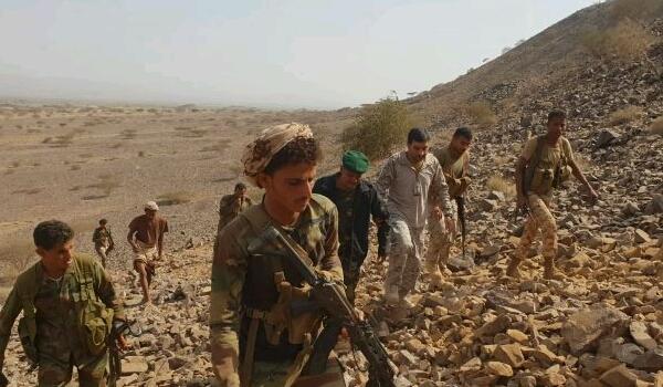 تسببت بأسر 22 حوثيا.. اشتباكات بين مليشيا الحوثي وقبليين في حجة