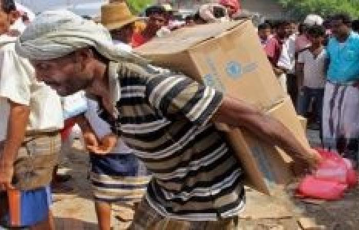 مقابل التسجيل في كشوفات المساعدات.. مليشيا الحوثي تفرض أتاوات على المواطنين