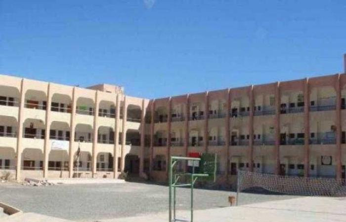صنعاء: مليشيا الحوثي توقف مدراء مدارس عن العمل وتحملهم مسؤولية الإضراب