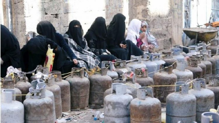 مكتب شركة الغاز بتعز ينفي وجود أزمة غاز منزلي في المحافظة ويطمئن المواطنين