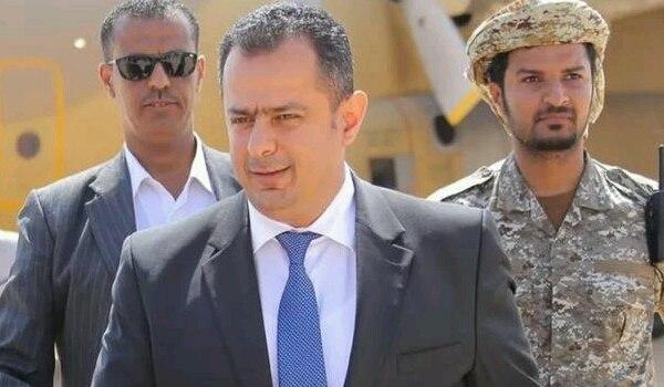 ألمح إلى تقديم استقالته لاحقا.. وزير يمني يعلن تعليق عضويته في الحكومة الشرعية