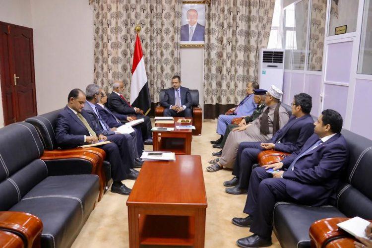 خلال لقائهم في عدن.. معين يطلع على مستجدات عمل اللجنة الحكومية المتعلقة بأوضاع الحديدة