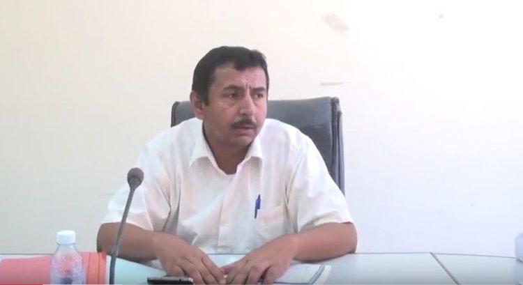 محافظ شبوة يتسلم تقرير اللجنة المكلفة بتقييم مكتب مصلحة الضرائب بالمحافظة