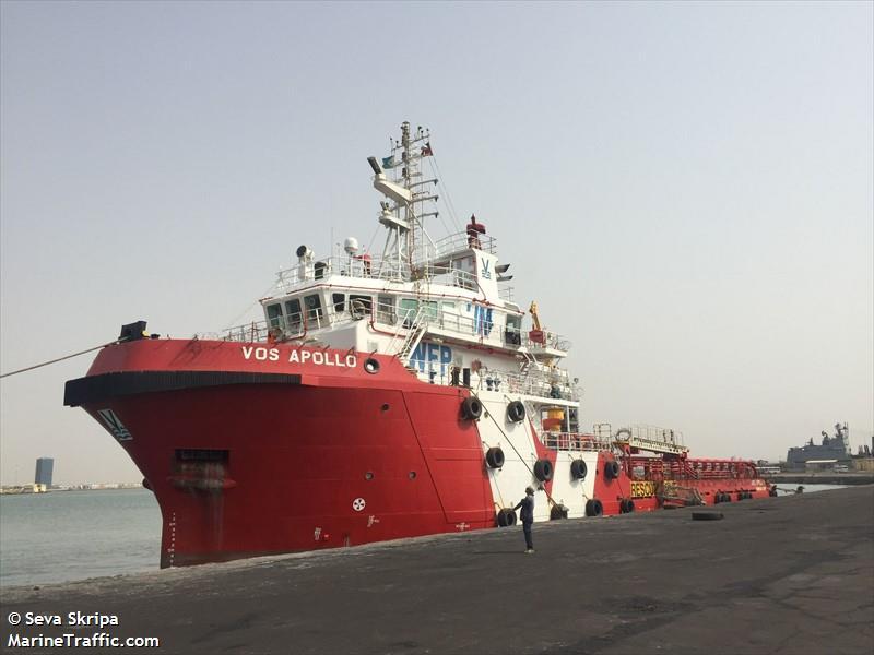 الفريق الحكومي يغادر سفينة الاجتماعات في الحديدة، ويتوجه إلى عدن