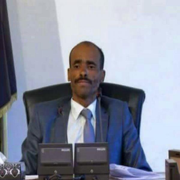 عضو اللجنة الثورية وأشهر بوق للحوثيين يقدم إعتذاره للشعب من «عدن»