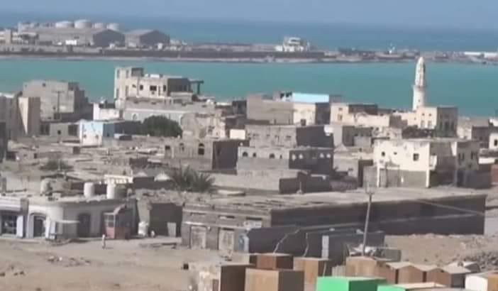 كيف فقدت المخا امنها واستقرارها واصبحت سجناً كبيراً تحت السيطرة الاماراتية