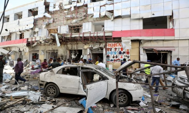 عاجل.. هجوم ارهابي يستهدف سوقاً مكتظًا بالسكان في العاصمة الصومالية مقديشو