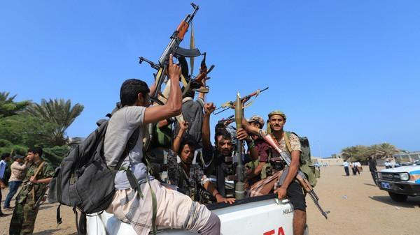 """الأمم المتحدة تعلن تقدم مباحثات الحديدة.. والحكومة تنتقد """"تعاميها"""" عن انتهاكات الحوثي"""