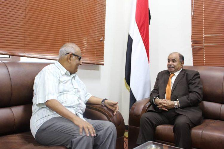 خلال لقائه بعضو اللجنة العيا للإنتخابات.. الخنبشي يناقش ترتيبات نقل اللجنة إلى عدن