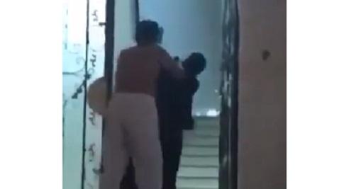 بالفيديو.. رجل يعتدي على امرأة في مكة المكرمة، والتحقيقات تكشف التفاصيل