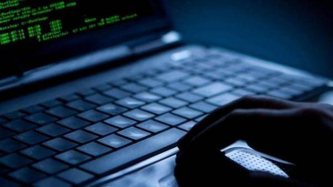 """موسكو تستعد لـ""""حرب إلكترونية كبرى"""" من خلال قطع الإنترنت"""