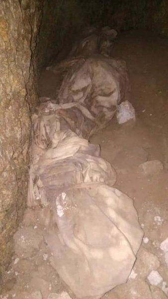 """تقع تحت سلطة """"أبي العباس"""".. عصابة ليلية تنبش مقبرة في تعز (صور)"""