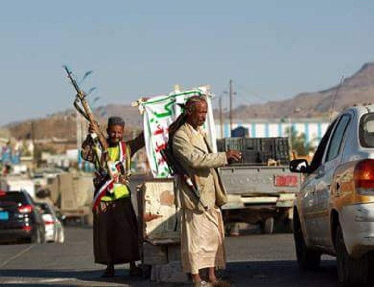 مليشيا الحوثي تشرع بالبسط على باحات مدارس ومعاهد عامة في محافظة إب