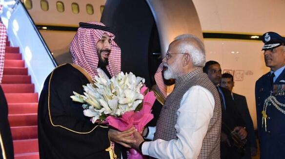 بعد وصوله الهند.. استقبال رسمي لولي العهد السعودي وإبرام اتفاقات اقتصادية ضخمة