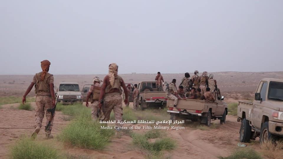 حرض: الجيش الوطني ينفذ هجوماً مباغتاً على مواقع المليشيا ويسيطر على مواقع استراتيجية هامة