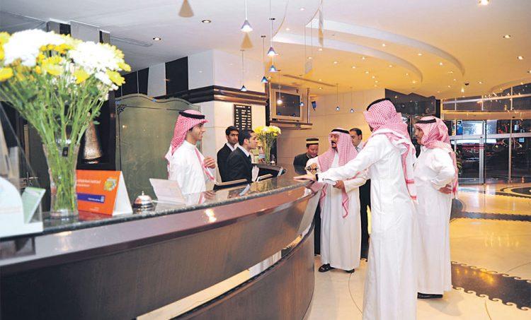 """السعودية: سعودة 38 مهنة جديدة ابتداءًا من شعبان القادم """"تعرف عليها"""""""