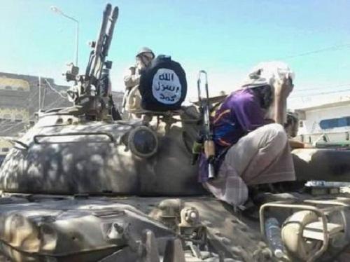 التحالف ينفي صلته بالأسلحة الأميركية الموجودة لدى القاعدة في اليمن ويوضح كيف حصلوا عليها
