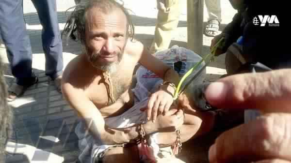 """مليشيات الحوثي تلقي معتقلين فقدوا الذاكرة في شوارع صنعاء """"صورة"""""""