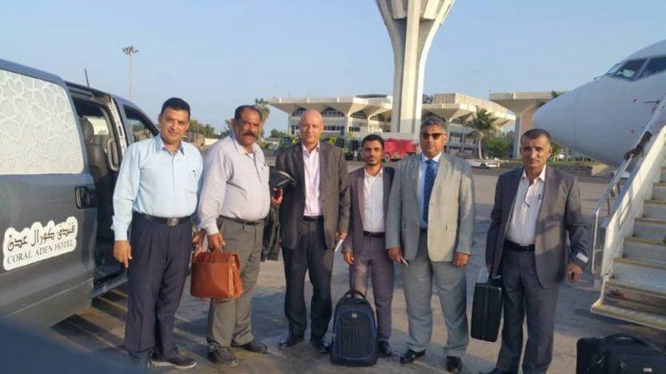 شاهد اللواء ثابت جواس في مطار عدن قبل مغادرته للمشاركة في مؤتمر الائتلاف الوطني الجنوبي