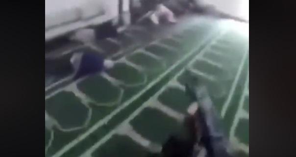 ارهابي يبث فيديو مباشر لحظة اطلاقه النار عشوائياً على مسجدين في نيوزيلندا ومقتل العشرات من المصلين