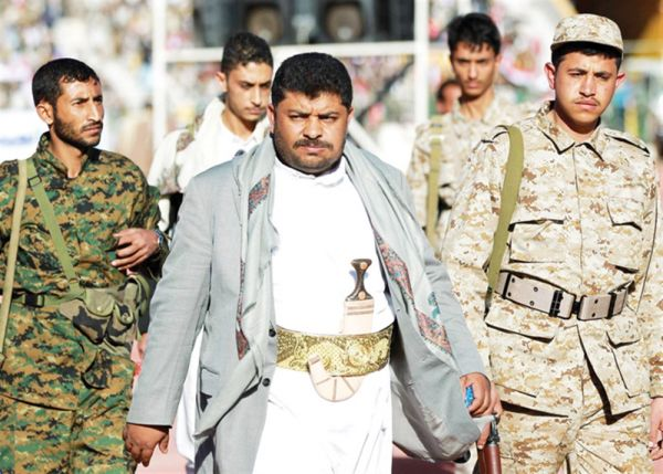 بعد الخلافات الشديدة.. الحوثيون يطيحون بمحمد الحوثي من رئاسة اللجنة الثورية ويضموه في المجلس السياسي