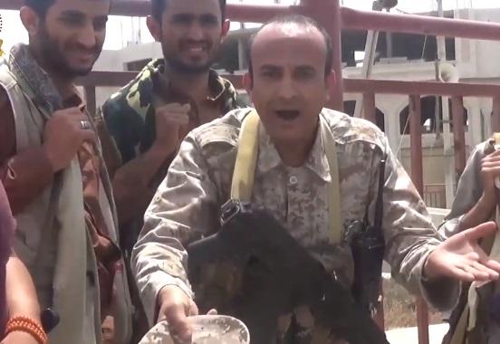 صنعاء .. مليشيا الحوثي تصادر ملابس الصحفيين المختطفين بسجونها