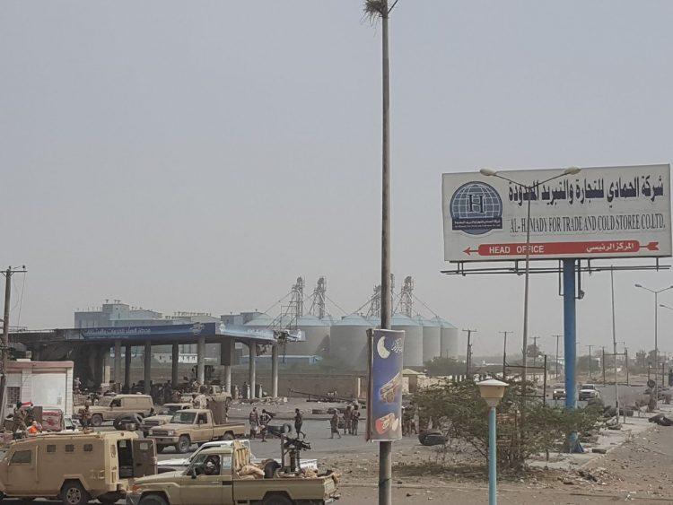 إستمرار في تصعيدها للقتال.. مليشيا الحوثي تدفع بمقاتلين أفارقة إلى صفوفها بالحديدة