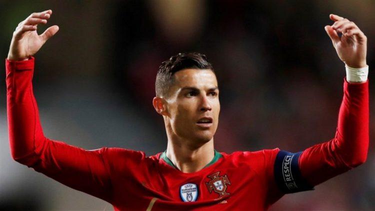 جمهور يوفنتوس قلق.. النجم البرتغالي رونالدو يكشف تفاصيل إصابته