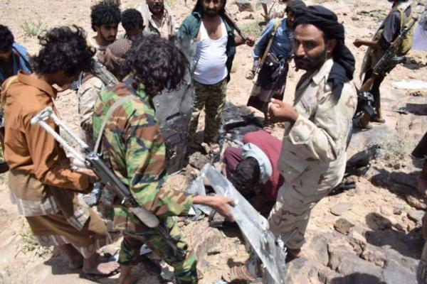 خلال شهر.. قوات الجيش الوطني تسقط رابع طائرة مسيرة تابعة للمليشيا في نهم بصنعاء