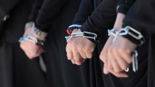 مليشيا الحوثي تُمعِن في اهانة اليمنيين.. انتهاك جسدي وتعذيب وحشي وتلفيق الدعارة في معتقلات سرية بصنعاء